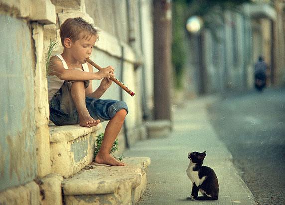 Foto de una niño feliz (autor: Vladimir Zotov)