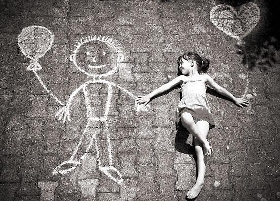 Foto de una niña feliz (autor: Unggul Luberizky)